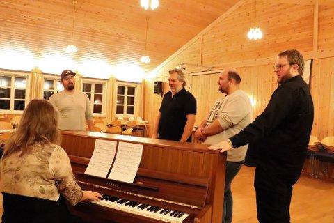 Helgeland operakompani inviterer til operapub på Frk. Lovise tredje juledag.