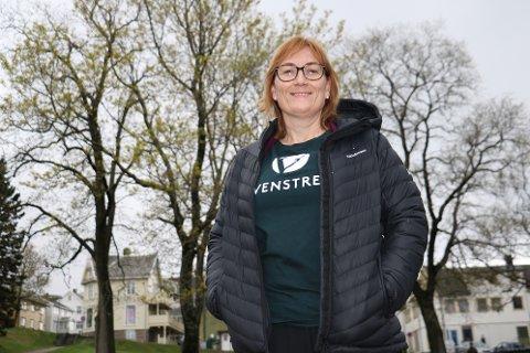Leder og ordførerkandidat i Alstahaug Venstre, Hanne Nora Nilssen ber styret i Helgelandssykehuset svare på hvorfor hun ikke får svar på sine innsynskrav.
