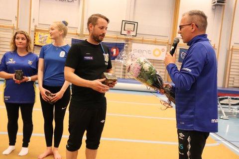 Ordfører Bård Anders Langø skrøt uhemmet av arrangementet, og ga en blomst til stevneleder, og leder av SIL Turn, Stein Ove Lorentzen.