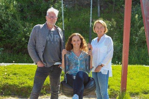 F.v. Jan-Erik Lindgaard (tidligere lærer på Sandnes skole), påtroppende rektor Hege Antonsen og Gunn-Åse Ludviksen (har jobbet på Bjarnetjønna siden 1997). De er alle spente på det nye skoleåret.
