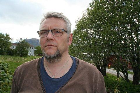 FRUSTRERT: Morten Mediå er universitetslektor i samfunnsfag på Nesna og er plasstillitsvalgt.