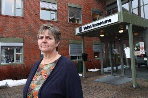 UNDRER: Vefsn-ordfører Berit Hundåla lurer på hvorfor den nye HR-sjefen hovedsaklig skal ha kontorsted på Mo i Rana, til tross for at HR-senteret er i Mosjøen.