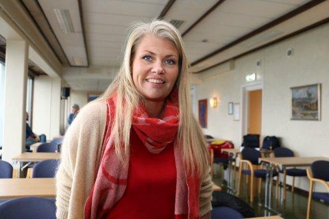 HEKTISK: Kommuneoverlege Kirsten Toft forteller at de er i full gang med planlegging til den første koronavaksina kommer.