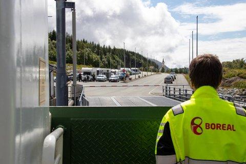 SETTER INN FLERE: Boreal har blitt nødt til å ta grep på Heelgeland etter mye kluss med rutetilbudene den siste tiden. Illustrasjonsbildet er fra i fjor sommer på vei fra Tjøtta til Forvik.