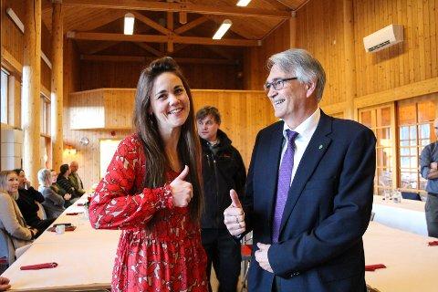 Trine Fagervik og Robert Kolvik er blant dem som sto bak budsjettet som fikk flertall. I bakgrunnen ser vi Kay-Rune Nersund, representant for Frp.