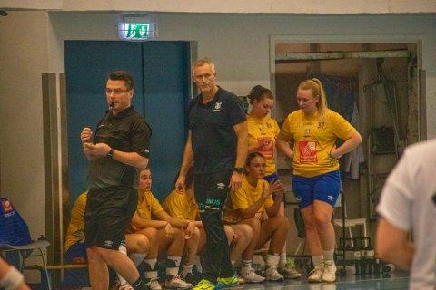 SKUFFET: SIL-MHK-trener Børge Toft likte ikke mye det han så av laget sitt i første omgang.