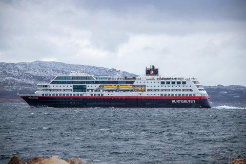 TROLLFJORD: Hurtigruten MS Trollfjord skal inn i ekspedisjonsseiling langs norskekysten, og skal blant annet besøke Træna.