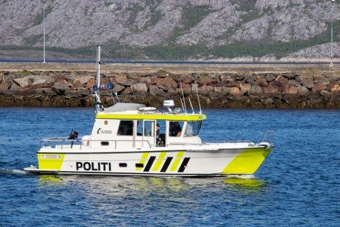 NY POLITIBÅT: Høsten 2019 fikk Nordland politidistrikt ny politibåt. Den er stasjonert i Sandnessjøen og er en Targa 35 som er overdratt fra Troms politidistrikt. I tillegg opererer politiet en mindre politibåt, som kommer til å være mer synlig på kysten i sommer.