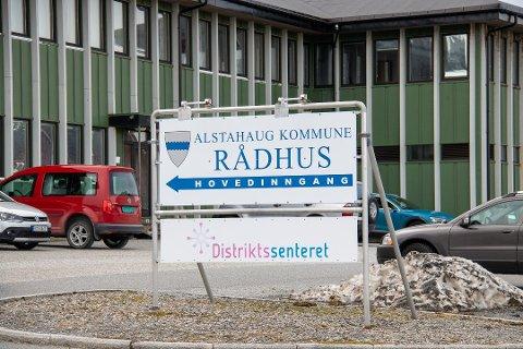 Nå kan innbyggerne i Alstahaug registrere seg i et offentlig kart som liggre ute på kommunens nettsider dersom de vil ha faktura på eiendomsskatten per måned og ikke pre kvartal. - Personvernet er ivaretatt, sier arealplanlegger Oddrun Bårdgård.