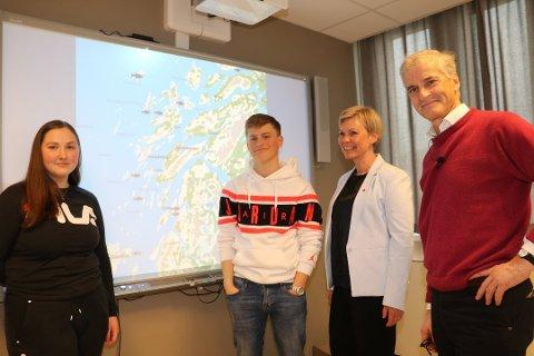 Leder i Arbeiderpartiet, Jonas Gahr Støre, har planer om å fortsatt legge press på operatørselskapene for å sikre arbeidsplasser og kompetanse i Sandnessjøen. Her fra møte ved Sandnessjøen videregående skole i mai.