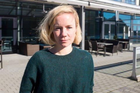 TILLITSVALGT: Ingeborg Steinholt er tillitsvalgt for Yngre legers forening, i tillegg til å sitte i sykehusets kvalitetsutvalg for tarmkreftkiruri. Hun er også lege i spesialisering ved kirurisk avdeling i Sandnessjøen. Her avbildet i fjor vår.