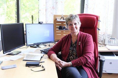 HELSE: - Styret i Helse Nord står fast på at vedtaket der sykehuset i Sandnessjøen eller omegn blir opprettholdt som hovedsykehus. Dette forventer jeg at styret også mener om tarmkreftkirurgien, sier ordfører i Vefsn, Berit Hundåla.