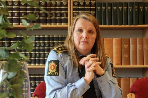 POLITIINSPEKTØR: Linda Frønes Rømma i Nordland politidistrikt. Her avbildet ved en annen anledning tidligere i år.