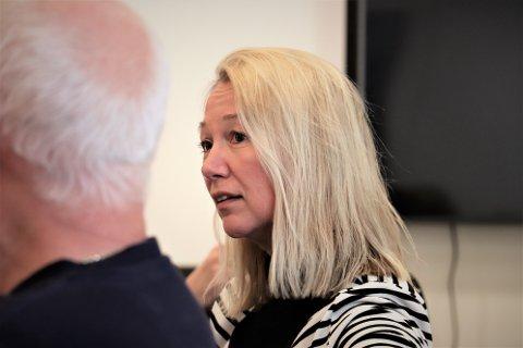 Ordfører Peter Talseth overfører deler av sin godgjørelse til varaordfører Hanne Benedikte Wiig slik at hun kan jobbe mindre som lærer ved Sandnessjøen videregående skole. Saken var oppe i kommunestyret onsdag.