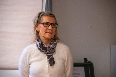 DIREKTØR: Hulda Gunnlaugsdottir er administrerende direktør i Helgelandssykehuset. Her avbildet på besøk på enheten i Sandnessjøen før jul.