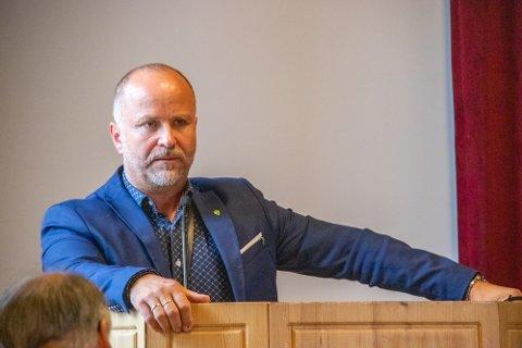 Rådmann i Leirfjord, Jan Ove Styve, har krevende dager i Leirfjord kommune. Overforbruket innenfor enheten pleie og omsorg er for januar og februar store.