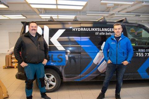 SNART KLARE: Ole Martin Andersen Riesto og Jan Frode Kjeøy er spente før åpningen av den nye butikken den 6. mai.