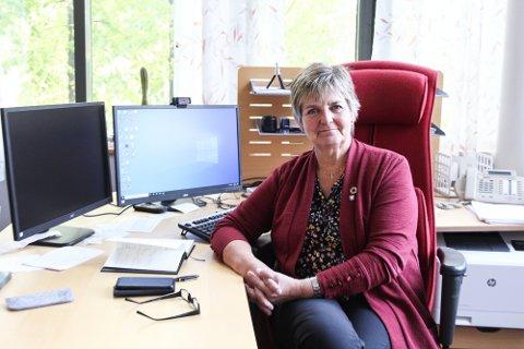 ORDFØRER: Berit Hundåla er ordfører i Vefsn kommune. Her er hun avbildet på ordførerens kontor ved en tidligere anledning.