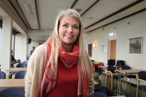 Kommuneoverlege i Alstahaug, Kirsten Toft, sier at innbyggere som venter på vksinedose nummer to nå vil få satt vaksinedosen raskere enn opprinnelig planlagt.