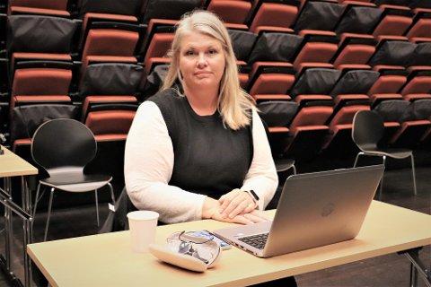 Kommuneoverlege i Alstahaug, Kirsten Toft, sa onsadg til formannskapet at det er nå er vanskelig å få kontroll på koronasmitten på Helgeland.