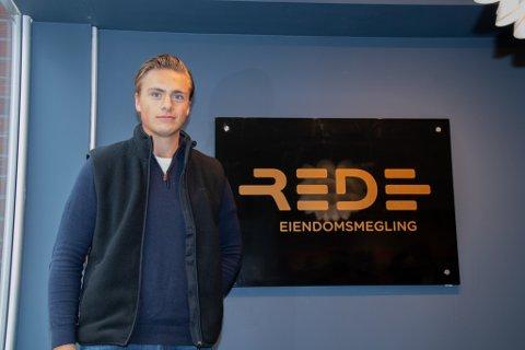 FLYTTER HJEM: Etter to år i Trondheim flytter Torleiv Hov Grønbech hjem til Helgeland for å jobbe som eiendomsmeglerfullmektig hos Rede Eiendomsmegling.