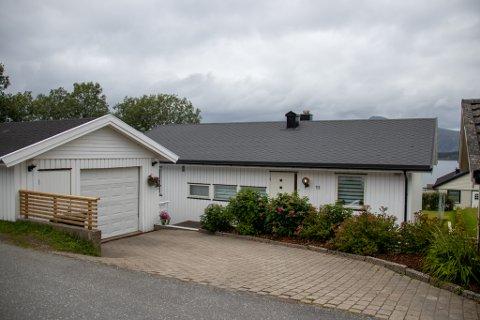 UTLØSTE BUDKRIG: Mikjel Fønhus gate 11 i Sandnessjøen ble før helgen solgt for 1,3 millioner over takst og prisantydning.