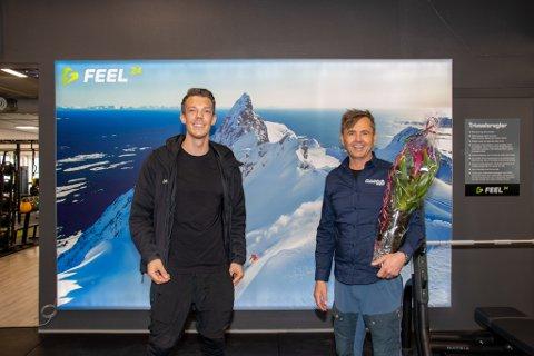 BREDE SMIL: Thomas André Nilsen i Feel24 og utleier Odd Petter Olderskog Leknes var glade gutter da det nye treningssenteret åpnet i Sandessjøen lørdag.