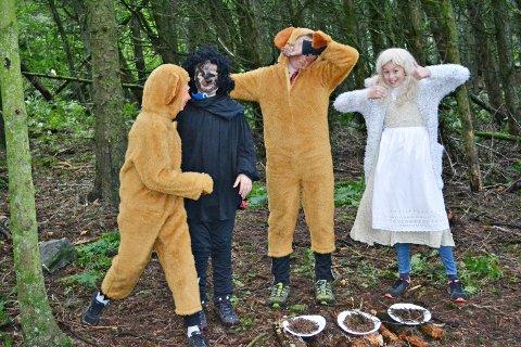 KLARE FOR EVENTYR: Gullhår og dei tre bjørnane er klare for Vikhålå.