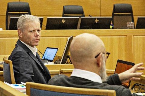 USIKRE PÅ VALDSRISIKO: Psykolog Dan Tungland (t.v.) og psykiater Tor Ketil Larsen kan ikkje utelukka at drapet på Varhaug var planlagt.