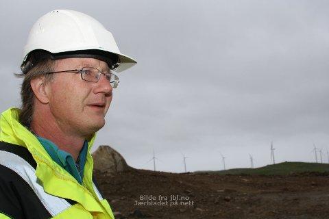SLAG I SLAG: I løpet av juni månad vil alle dei 26 vindmøllene i Høg-Jæren Energipark vera i drift, seier anleggsleiar Ulv Erik Nordby