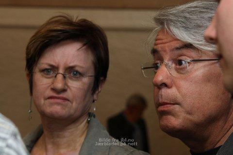 Anne Brit Ree, gruppeleiar i Ap, og Michael Evans, gruppeleiar i SV, var einige om å utsetja godkjenninga av nye lokale for Vinmonopolet på Bryne.