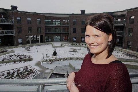 LENGRE I EGET LIV: Hverdagsrehabiliteringen skal sørge for at hjemmeboende eldre i Klepp skal klare seg bedre på egen hånd. Prosjektleder Lillian Lundeby starter opp med de første deltakerne til våren.