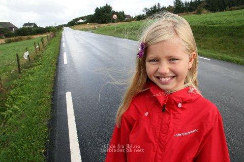 Det Caia Gjøse Nordby(9) ønskjer seg mest av alt, er ein gang- og sykkelveg langs Brautvegen.