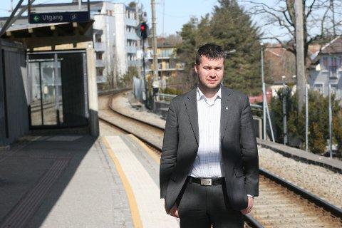 Geir Pollestad (sp) går frå å arbeide med samferdsel i regjering til olje- og energikomiteen på Stortinget.