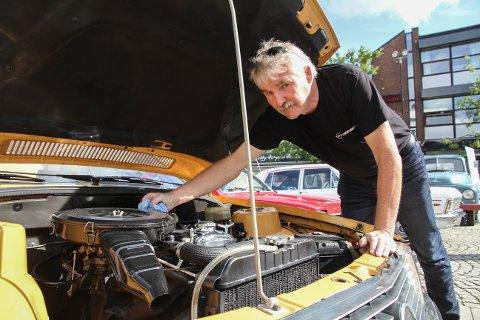 Håkon Dale eier hele tre forskjellige Opel Rekorder.