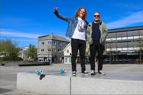 Christer Espevik og Eirik Eik er to av dei fire medlemmane i Vrakfeber. Akrivfoto: Tuva Skei Tønset