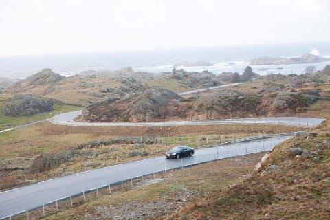 FARTSGRENSE: I dag er fartsgrensa 70 km/t på fylkesveg 44 mellom Sirevåg og Hellvik. Både rådmann og lensmann i Hå støtter en midlertidig reduksjon til 60, men politikerne i Hå sa nei.
