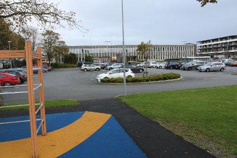 Klepp kjem til å byggja seg vestover parkeringsplassen ved dagens rådhus. Her skal det mellom anna koma ny kyrkje og nye lokale til kulturskulen og ungdomskultursenteret Axis.