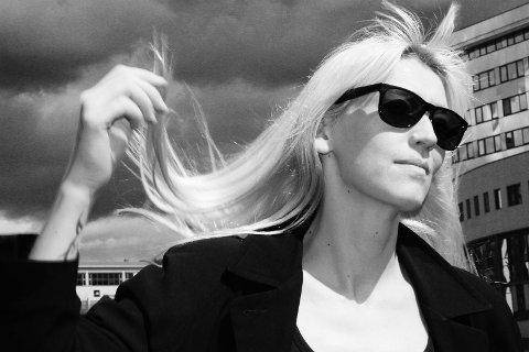 FEBRUAR: Hilma Nikolaisen frå Moi  er aktuell med albumet «Mjusic» og kjem til Mellombels 13. februar.