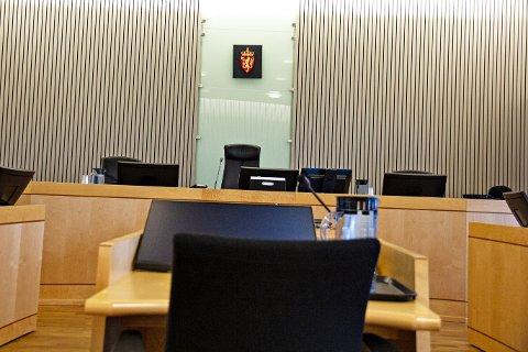 JÆREN TINGRETT: Det store spørsmålet i sal 2 i tingretten er om den drapstiltalte 18-åringen frå Varhaug kan dømmast til fengselsstraff eller ikkje.