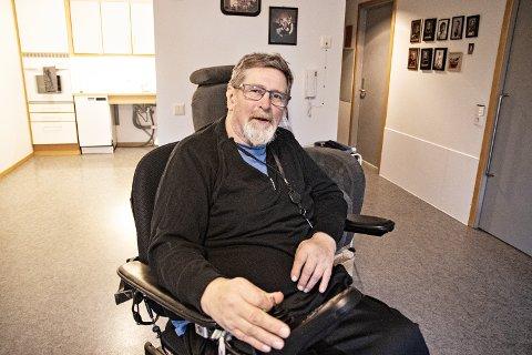 STORE SKADER: Selv om han liker å være optimist, er Torolv Obrestad forberedt på at det vil bli mye hardt arbeid for å oppnå målet om å komme seg opp fra rullestolen.