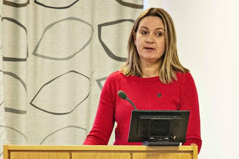 TEK OPP LEGEVAKTA: Mariann Skjærpe (Hå-lista) meiner at legevakta må få meir ressursar til å handtera korona-smittevernet på natta.