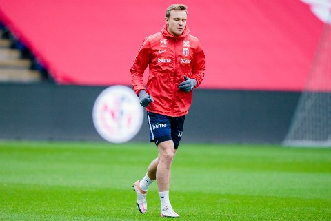 Marius Lode under treningen på Ullevaal Stadion med herrelandslaget i fotball før privatlandskampen mot Israel.