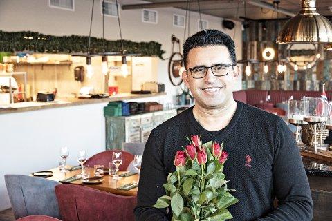 VALENTINE WEEKEND: Izral Singh inviterer jærbuene til Valentine's-middag både fredag, lørdag og søndag.