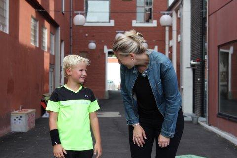 STRUKTUR: Siri Abrahamsen har ikkje berre éin, men tre ungar heime. Ho innfører reglar for å motverka keisemd og kaos.