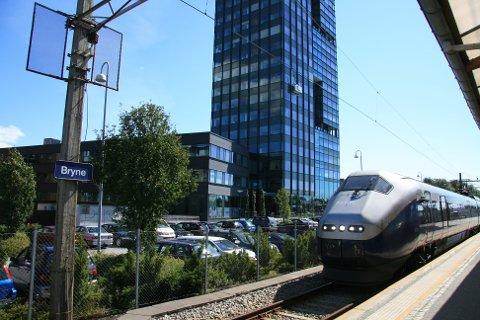 SLUTT FOR DENNE GONG: Frå klokka 17.30 i dag, torsdag, skal togtrafikken langs Jærbanen igjen gå som normalt. Frå måndag 10. august blir det ny stenging.