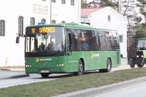 KAN BLI STOPP: Hvis det blir buss-streik fra lørdag, trenger ikke elevene på videregående å ty til traktor-for-buss over helga. Når bussene ikke går, legger Rogaland fylkeskommune opp til digital undervisning hjemme.