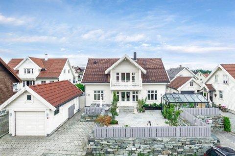 KJAPT SALG: Denne boligen i Nymyra 12 i Klepp, ble solgt for nesten én million over prisantydning.