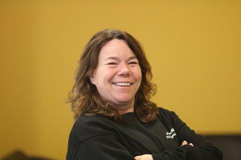 NY LEIAR I FJOR: Karin Steinsland er dagleg leiar og stryeleiar ved Sele Auto AS i Klepp, eit selskap som blei stifta i fjor.