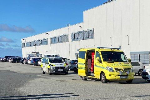 Ambulanse og politi rykket ut etter å ha fått melding om en fallulykke hos en industribedrift på Nærbø.
